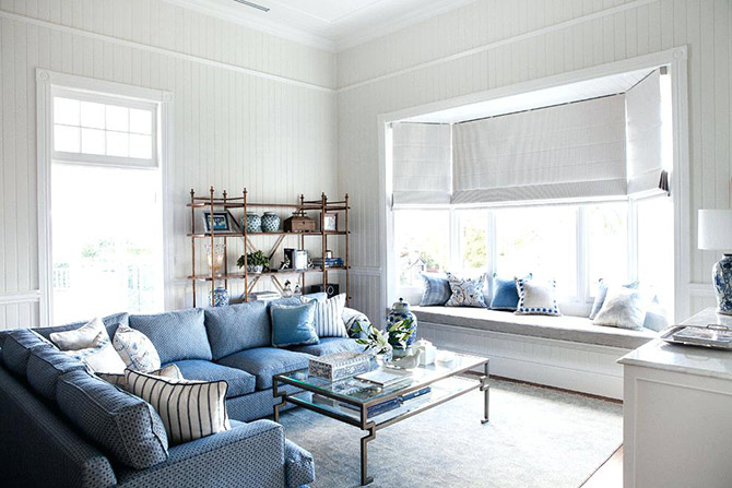 hamptons style lounge room