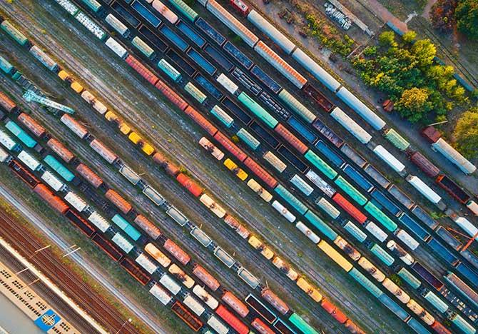无人机摄影的火车