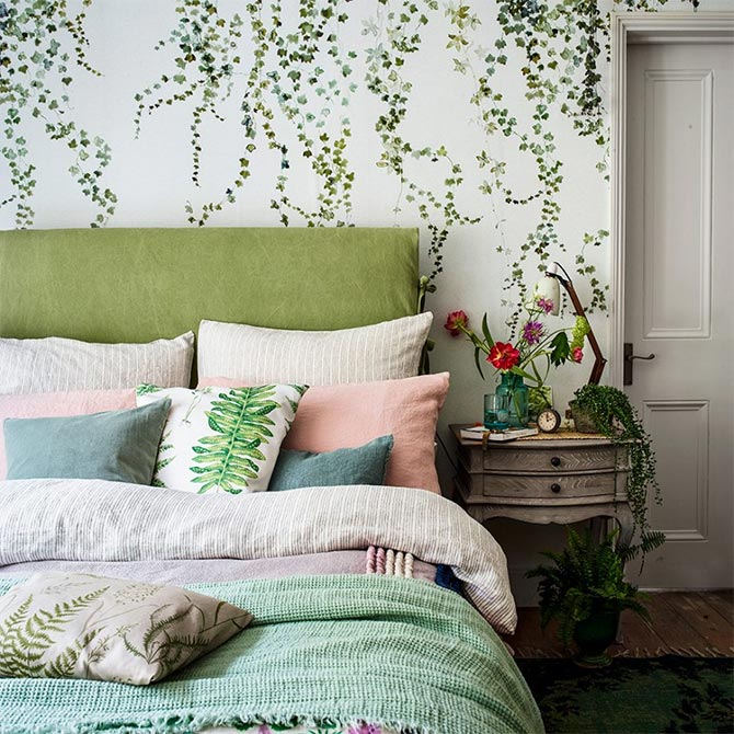 bedroom wall decor plants