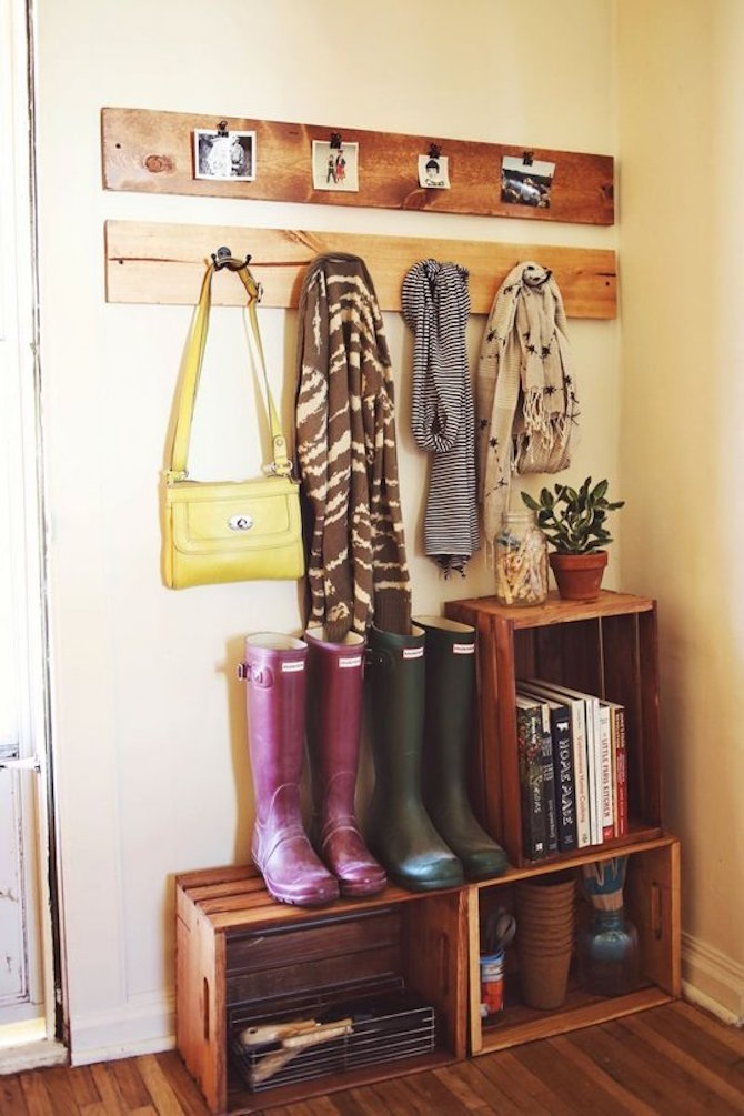 Apartment Decorating Ideas - Neat Entry