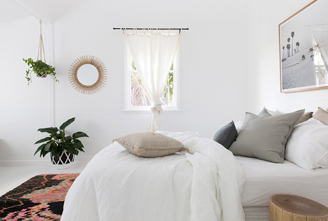 cushions and pillows for master bedrooms
