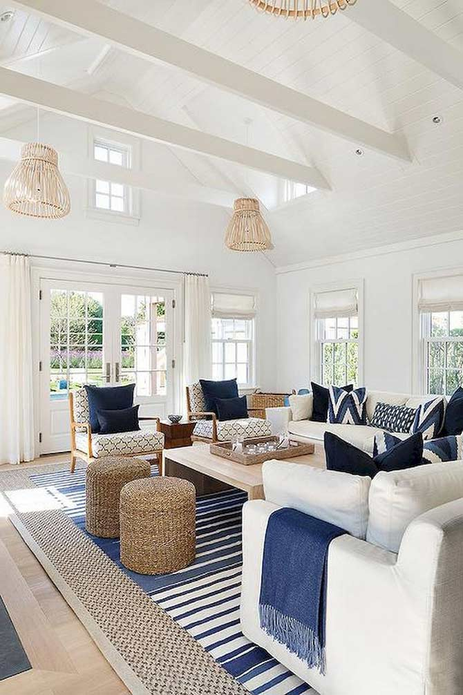 hamptons style couch