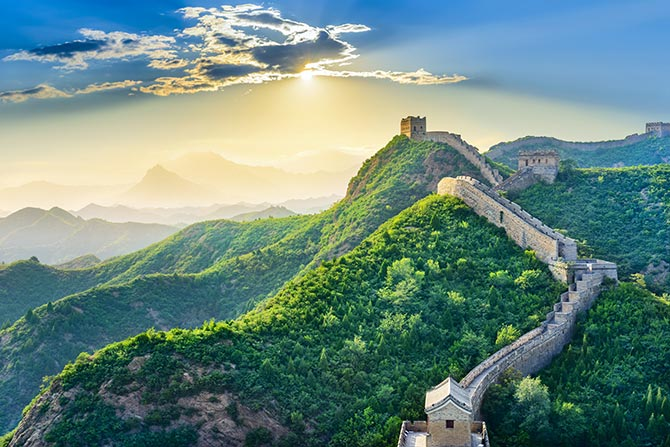 famous landmarks like great wall of china