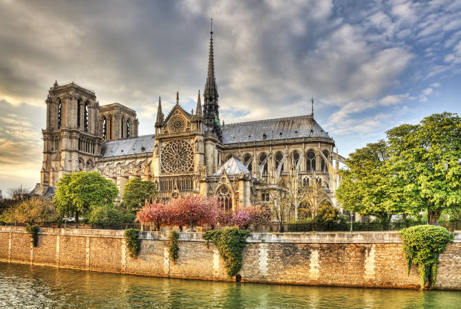 着名的地标巴黎圣母院